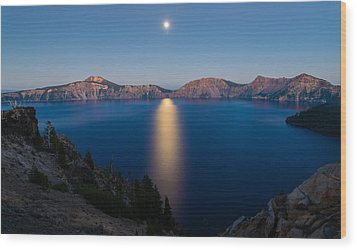 Crater Lake Moonrise Wood Print