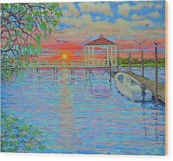 Creek Club Docks At Sunset Wood Print by Dwain Ray