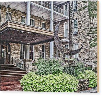 Crescent Hotel Wood Print