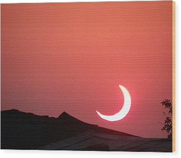 Crescent Sunset Wood Print
