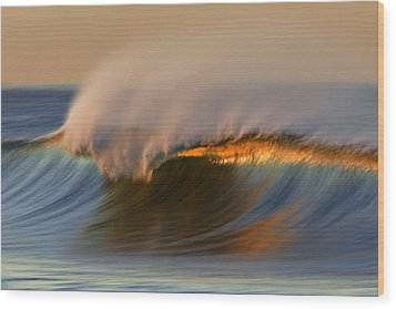 Cresting Wave Mg_0372 Wood Print by David Orias