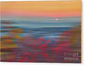 Crimson Dawn - A Tranquil Moments Landscape Wood Print by Dan Carmichael