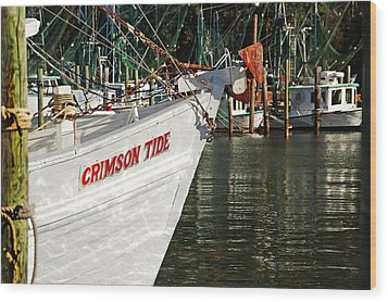 Crimson Tide Bow Wood Print by Michael Thomas