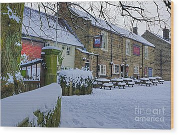 Crispin Inn At Ashover Wood Print by David Birchall