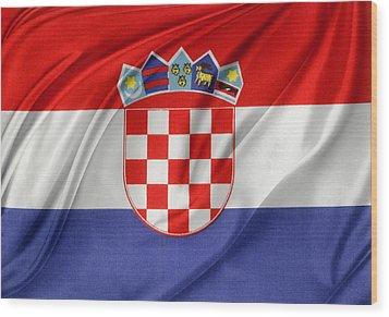 Croatian Flag Wood Print by Les Cunliffe