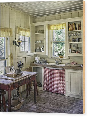 Cross Creek Country Kitchen Wood Print