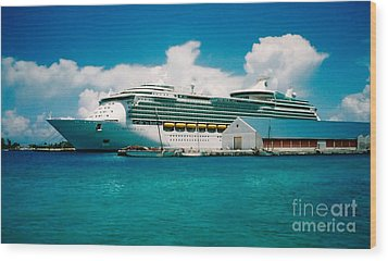 Cruise Ship Art Wood Print