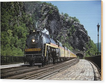 Chessie Steam Special At Harpers Ferry Wood Print by ELDavis Photography