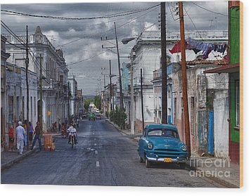 Wood Print featuring the photograph Cuba Traffic by Juergen Klust