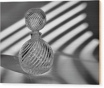 Curvatures 2...black And White Wood Print by Tom Druin