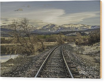 Wood Print featuring the photograph Curve In The Tracks by Sue Smith