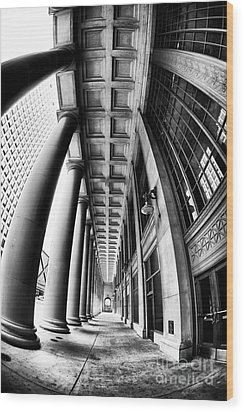 Curves At Union Station Wood Print by John Rizzuto