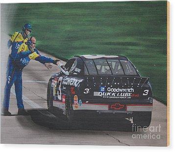 Dale Earnhardt Wins Daytona 500-pit Road Hand Shake Wood Print by Paul Kuras