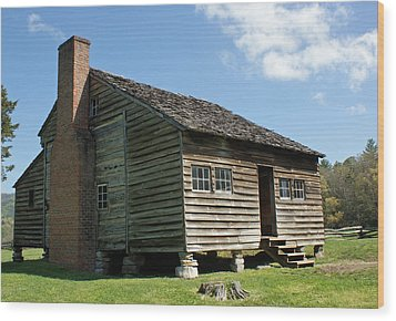 Dan Lawson Cabin In Cades Cove Wood Print by Roger Potts