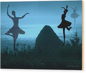 Dance Of The Sea Wood Print by Joyce Dickens