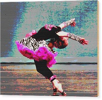 Dancevii Wood Print by Linda Cox