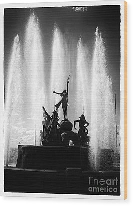 Dancing Fountain Wood Print by John Rizzuto