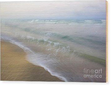 Dania Beach Wood Print by Glennis Siverson