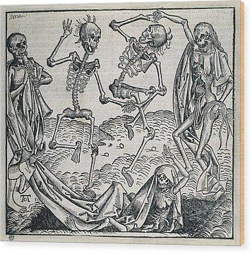Danse Macabre Or Dance Of Death 1493 Wood Print by Everett