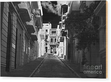 Dark Alley In San Juan Wood Print by John Rizzuto