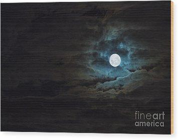 Dark Rising Wood Print by Andrew Paranavitana