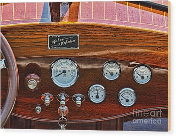 Dashboard In A Classic Wooden Boat Wood Print by Les Palenik