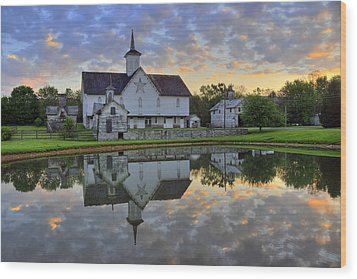 Dawn At The Star Barn Wood Print by Dan Myers