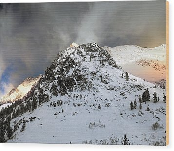 Wood Print featuring the photograph Daybreak On The Mountain by Jim Hill