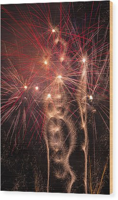 Dazzling Fireworks Wood Print by Garry Gay
