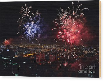Dazzling Fireworks II Wood Print by Ray Warren