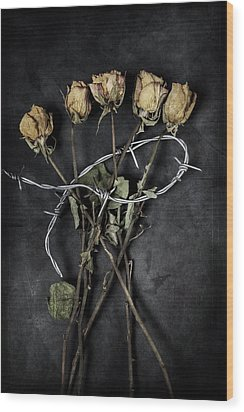 Dead Roses Wood Print by Joana Kruse