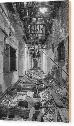 Deadly Corridor - Abandoned Asylum Building Wood Print by Gary Heller