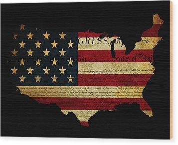 Declaration Of Independence Grunge America Map Flag Wood Print by Matthew Gibson