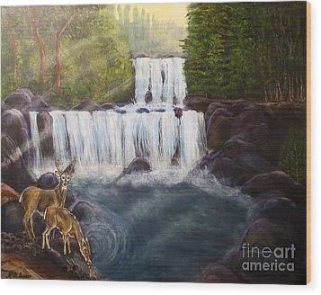 A Tall Drink Of Water For A Pair Of White Tailed Deer In The Great Smoky Mountains Wood Print by Kimberlee Baxter