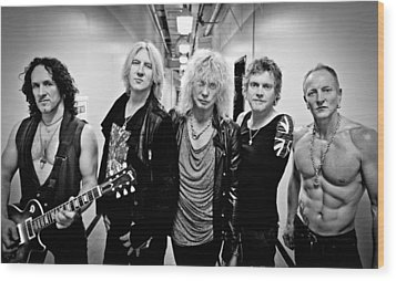 Def Leppard - Mirrorball Tour 2011 B&w Wood Print by Epic Rights