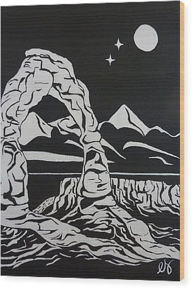 Delicate Arch By Night Wood Print by Estephy Sabin Figueroa