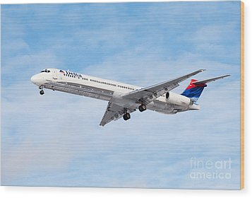 Delta Air Lines Mcdonnell Douglas Md-88 Airplane Landing Wood Print by Paul Velgos