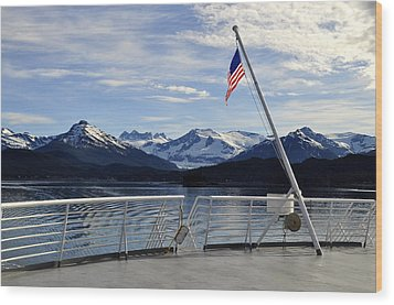 Departing Auke Bay Wood Print