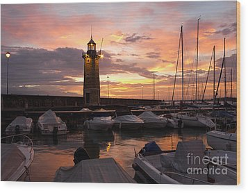 Desenzano Del Garda Marina Old Lighthouse Sunrise Wood Print by Kiril Stanchev