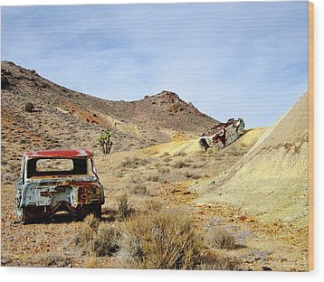 Wood Print featuring the photograph Desert Relics by Marilyn Diaz