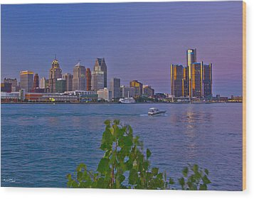 Detroit Skyline At Twilite With Boat Wood Print