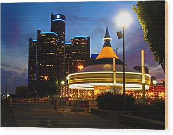 Detroit Waterfront Park Wood Print by Rexford L Powell