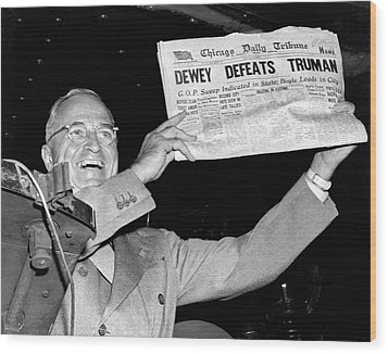 Dewey Defeats Truman Newspaper Wood Print by Underwood Archives
