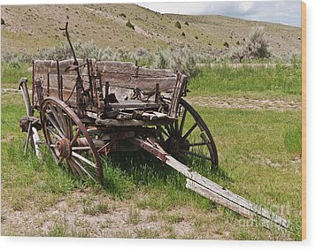 Wood Print featuring the photograph Dilapidated Wagon With Leaning Wheels by Sue Smith