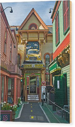Dinks Taxi In Bar Harbor Wood Print