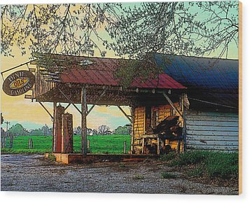 Wood Print featuring the photograph Dixie Oil And Gasoline by Rodney Lee Williams