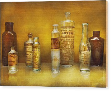 Doctor - Oil Essences Wood Print by Mike Savad