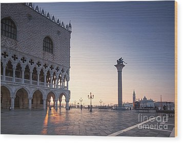 Doges Palace At Sunrise Venice Italy Wood Print by Matteo Colombo