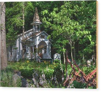 Dollywood Church Wood Print