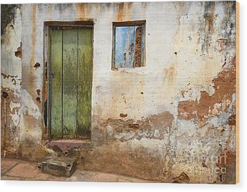 Doors And Windows Lencois Brazil 4 Wood Print by Bob Christopher